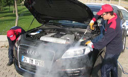 Máy rửa xe hơi nước nóng cho hiệu quả làm sạch vượt trội