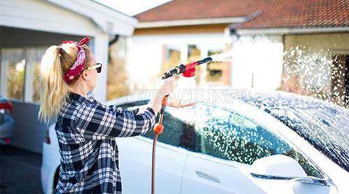 Rửa xe bằng dầu gội đầu có nên không?