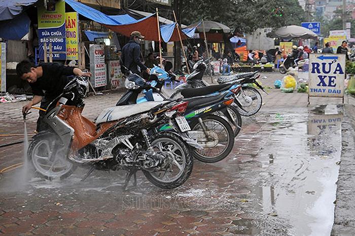 Rửa xe an toàn bằng nước giếng khoan