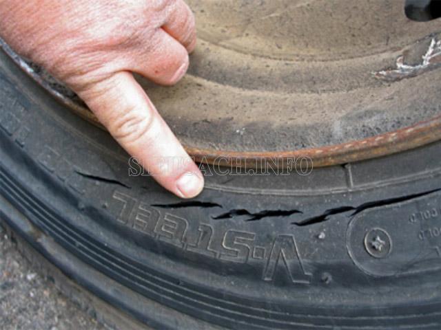 Các dấu hiệu nguy hiểm cảnh báo bạn phải thay lốp nhanh