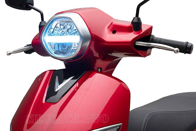 Đảm bảo đèn chiếu sáng, đèn tín hiệu, gương khi tham gia giao thông