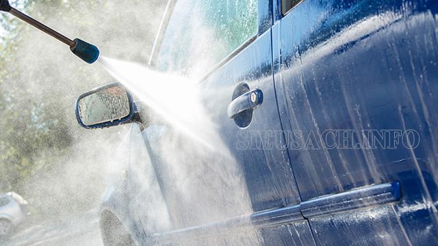 Máy rửa xe nội địa Ý