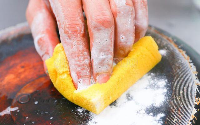 Mẹo làm sạch bếp cực nhanh 4