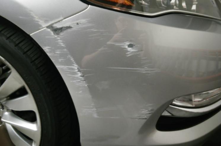 Nguyên nhân xe ô tô bị trầy xước