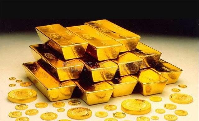 Có thể bán vàng nhưng không nên mua