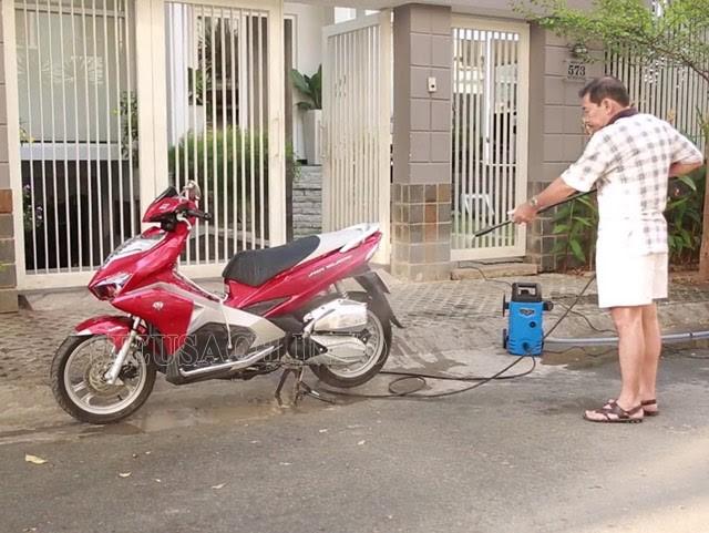 Máy rửa xe mini ngày càng được sử dụng phổ biến