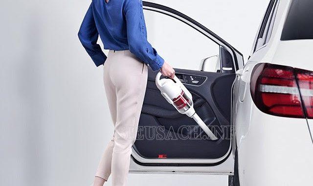 Máy hút bụi xe ô tô rất tiện dụng