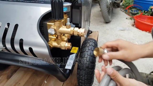 Bạn cần chú ý sử dụng máy bơm rửa xe cao áp đúng cách