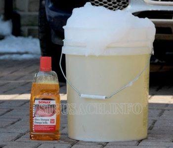 Cách pha nước rửa xe bọt tuyết đúng tỉ lệ