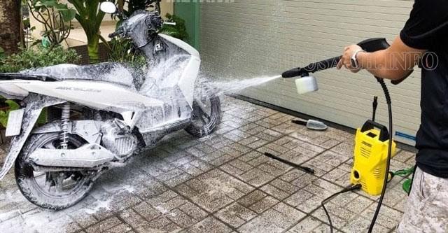 Cách pha nước rửa xe máy siêu sạch