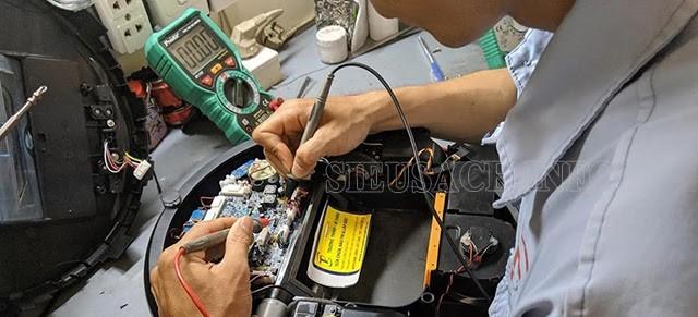 Tại các trung tâm sửa chữa, máy hút bụi được kiểm tra kỹ càng