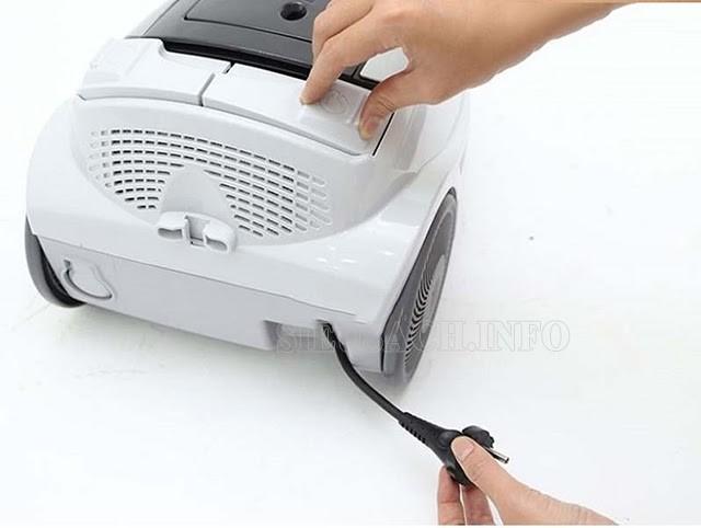 Kiểm tra và bảo quản dây điện của máy hút bụi
