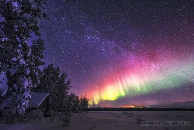Giải thích hiện tượng cực quang xảy ra trong tự nhiên
