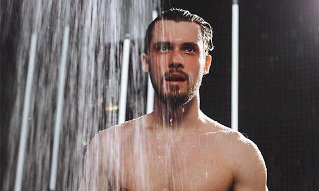 Tắm nước lạnh giúp giảm ham muốn